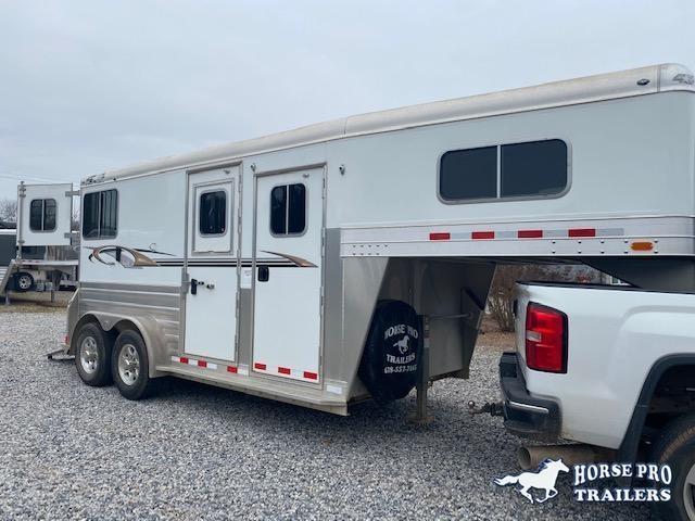 2017 4-Star Deluxe 2 Horse Straight Load Gooseneck w/Ramp
