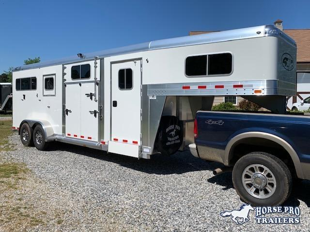 2021 4-Star 2+1 Gooseneck- 22' w/ROOF INSULATION & FANS!