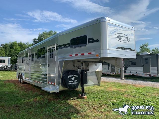 2021 4-Star Deluxe 4 Horse Head to Head Gooseneck
