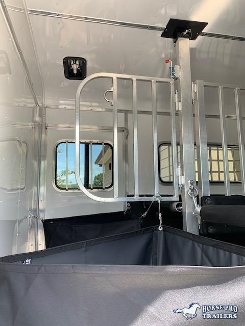 2021 Homesteader 2 Horse Straight Load Bumper Pull w/INSULATION & RUMBER FLOORING!