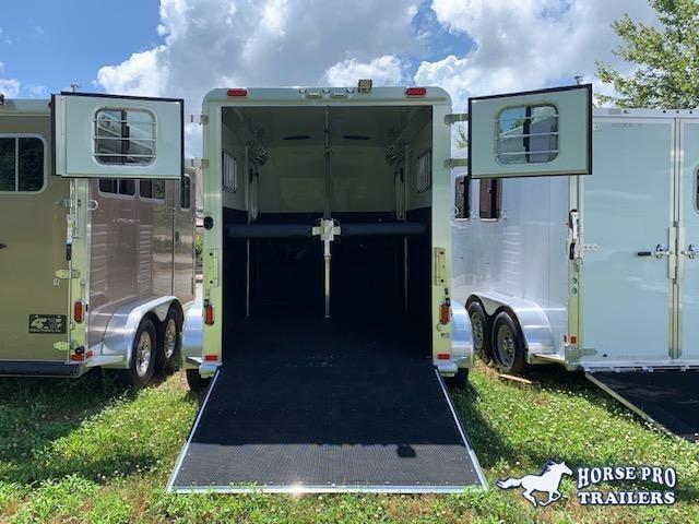 2022 4-Star 2 Horse Straight Load Bumper Pull w/WERM FLOORING!