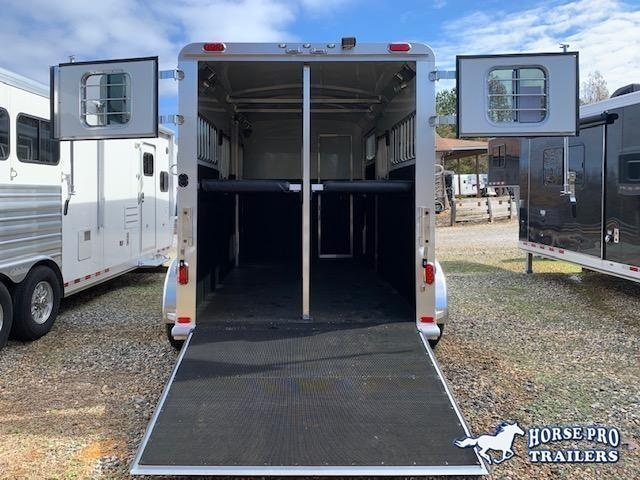 2022 4-Star 2 Horse Side Ramp Gooseneck 18' w/QUIET RIDE & Hydraulic jack