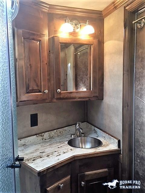 2021 4-Star Deluxe 3 Horse 13'2 Outback Living Quarters w/Slide Out- WERM FLOORING & RAMP!