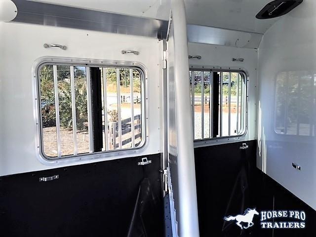 2022 4-star runabout 2 horse slant load bp - no rear tack
