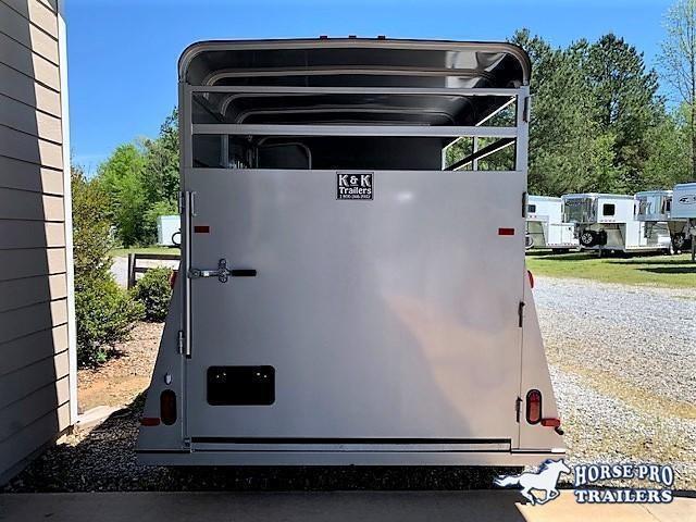 2021 Bee 2 Horse Slant Load Bumper Pull w/DROP WINDOWS