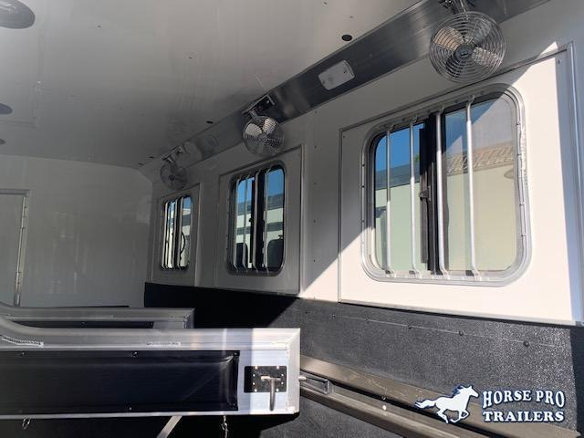 2020 4-Star Deluxe 3 Horse 14' Outback Living Quarters w/Slide Out, DUAL ENTRY & GENERATOR!