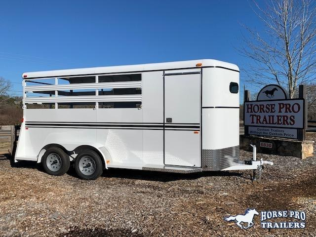 2022 Bee 3 Horse Slant Load Bumper Pull w/Stock Sides