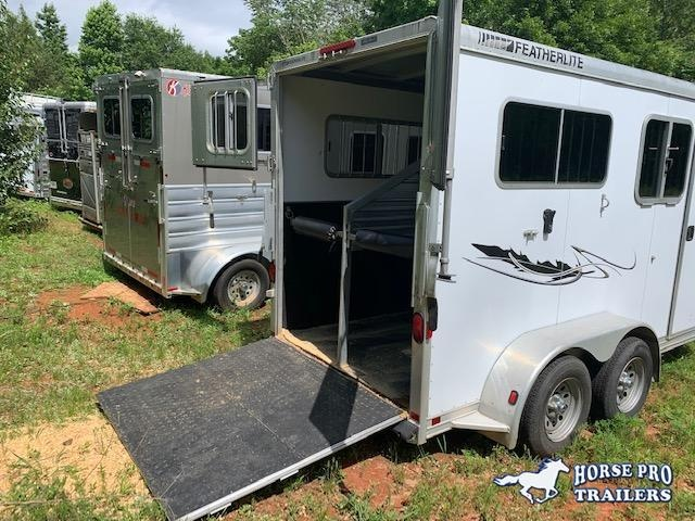 2005 Featherlite 2 Horse Straight Load Bumper Pull