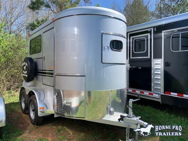 2020 Bee 2 Horse Straight Load Bumper Pull w/Windows & RAMP