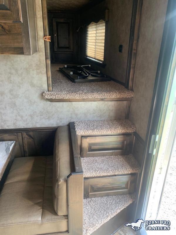 2018 Cimarron 3 Horse Sideload 14'8 Outback Living Quarters Slide