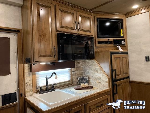 2022 4-Star Deluxe 4 Horse 15'6 Trail Boss Living Quarters w/10' Slide Out SIDE LOAD & FULL REAR TACK!