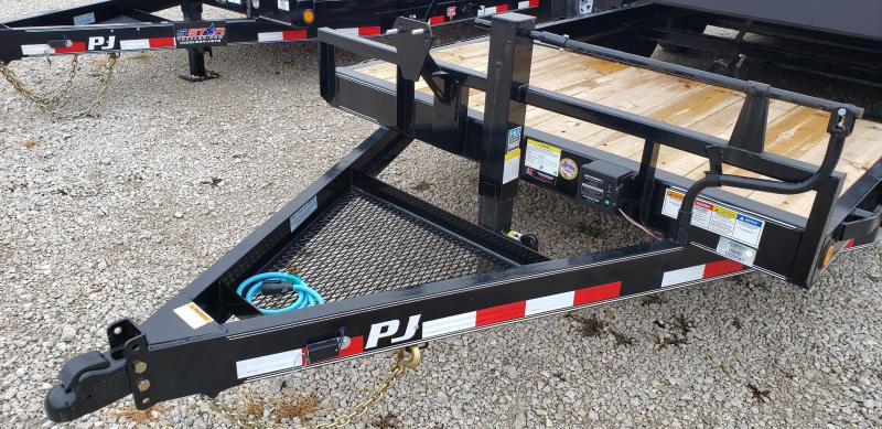 "2020 PJ 82""x20' Gravity Tilt Bed (T6)"
