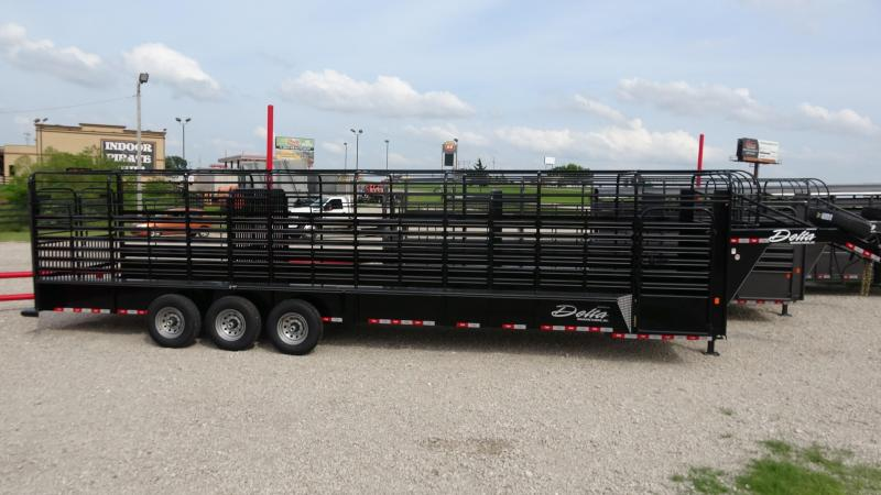 2021 Delta Manufacturing 2021 32 Delta 600 Cattleman Open/Bar Top Goosene Livestock Trailer