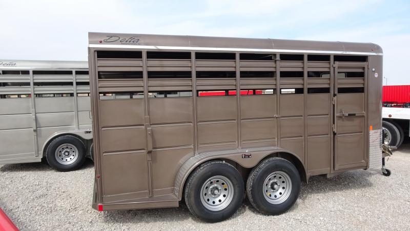 2019 Delta Manufacturing 2019 Delta 500 16 Tandem Axle BP Livestock/Horse Horse Trailer