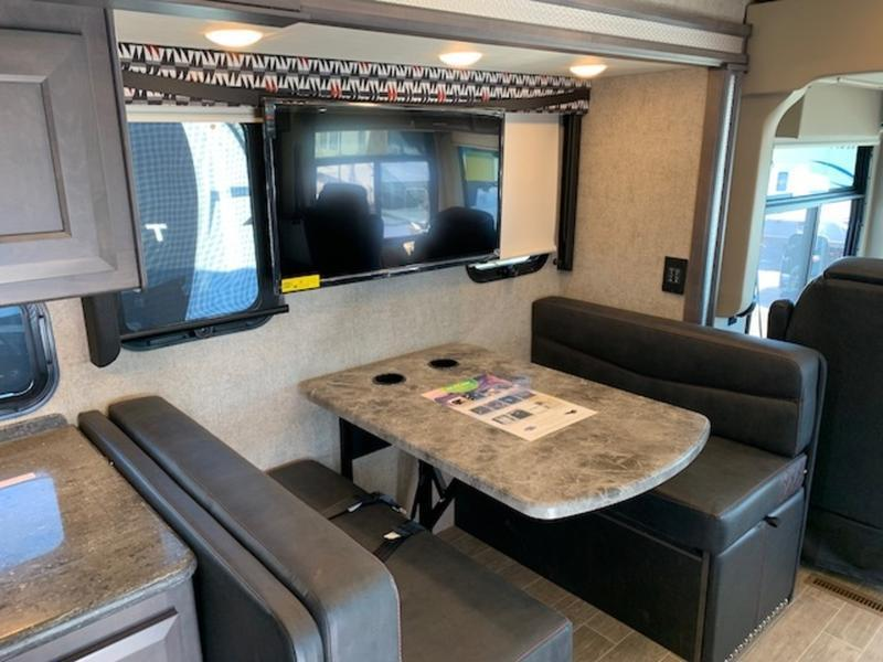 2021 Thor Motor Coach Outlaw 38KB Class A
