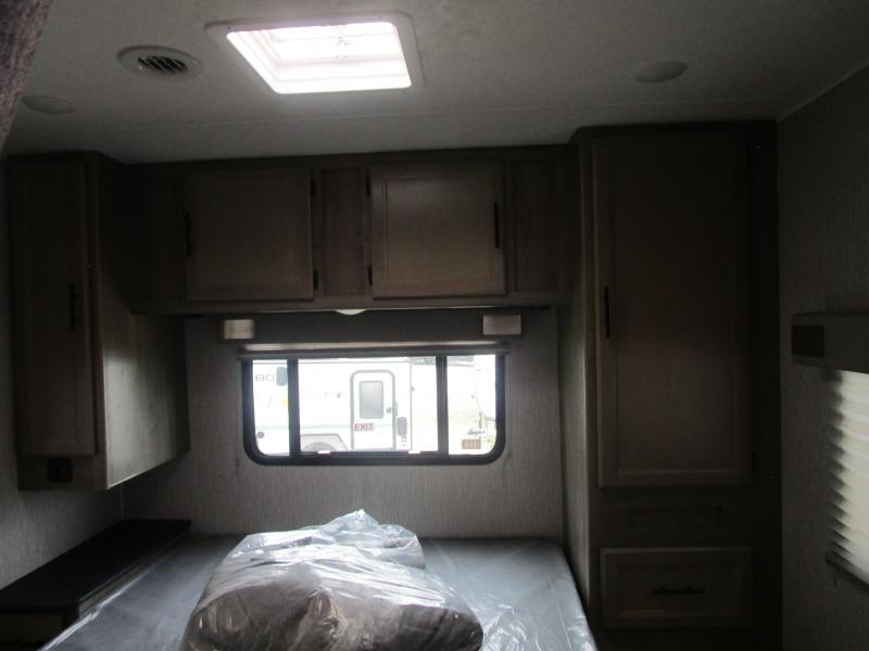 2021 Coachmen Freelander 27QB 4500 CHEVY Class C RV