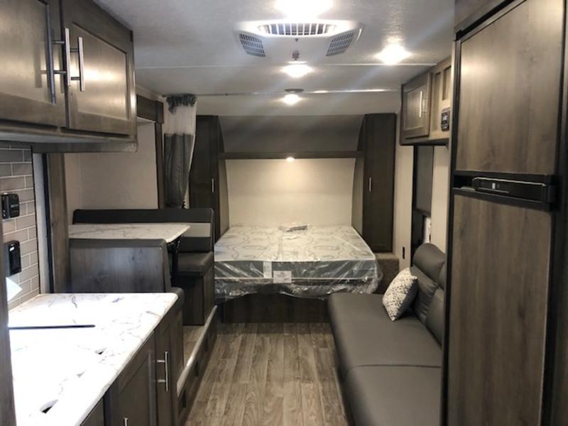 2021 Coachmen Viking Ultra-Lite 21FQS