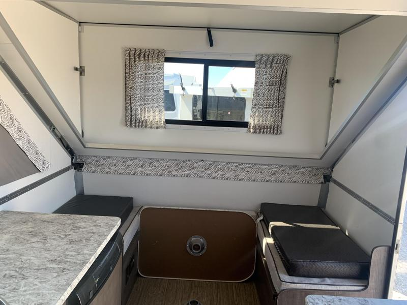 2018 Aliner Expedition w/Twin Beds, Hard Dormers, AC, Furn,Solar