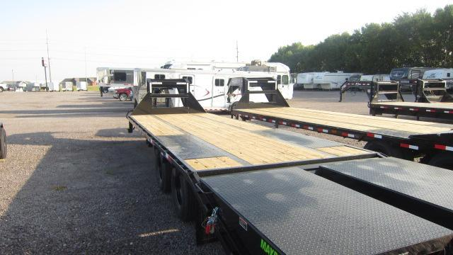 "2021 Load Trail 102""X32' Flatbed Trailer"