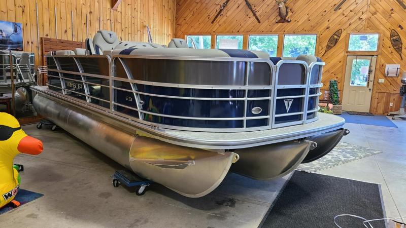 2022 Trifecta Pontoon 2022 20CLE Pontoon Boat