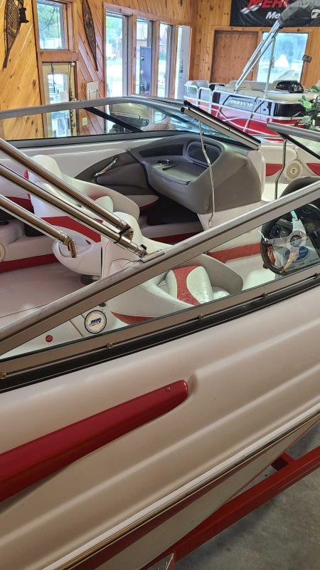 2011 Crownline 21 SS Runabout Boat