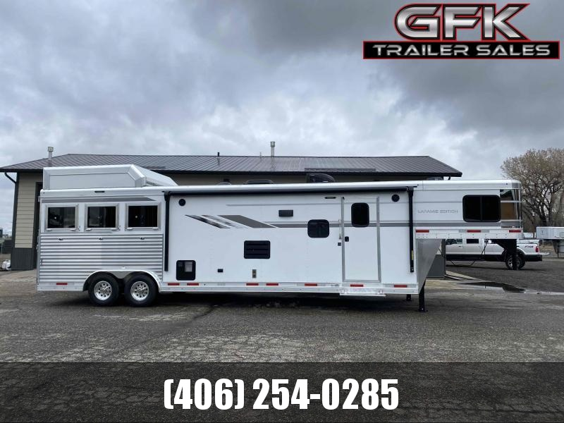 2021 SMC Laramie 3 Horse 14' Living Quarter Trailer