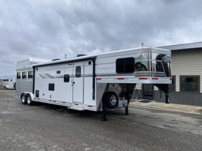 2022 SMC Laramie 3 Horse 14' Living Quarter Trailer