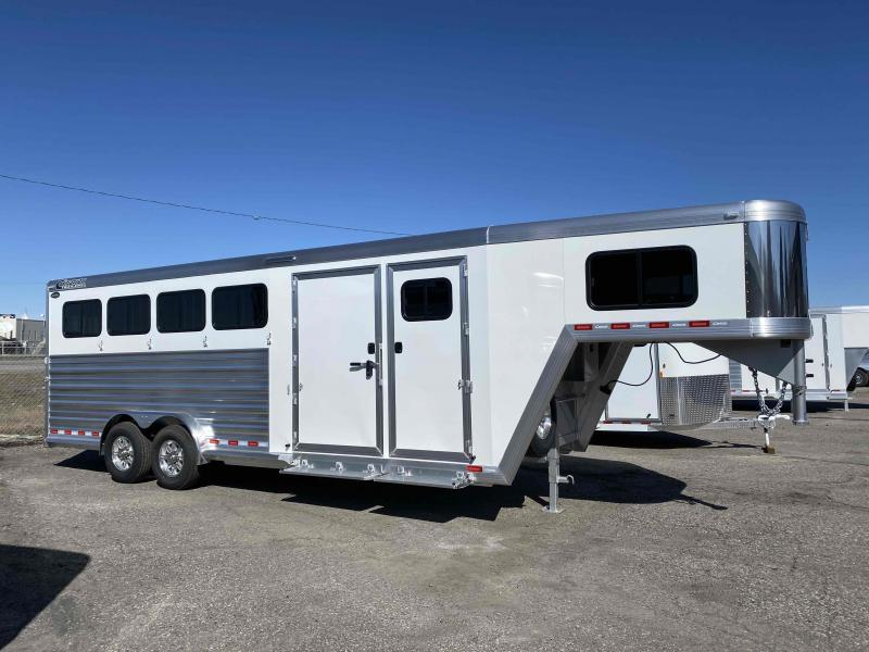 2021 Cimarron Trailers Norstar 4 Horse with Closet Tack