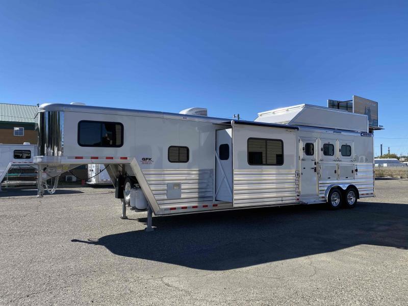 "2021 Cimarron Trailers 3 Horse 15'4"" LQ Horse Trailer"
