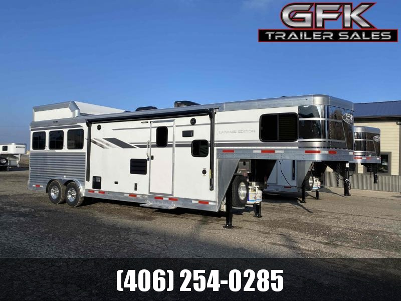 2021 SMC Laramie 3 Horse 11' Living Quarter Trailer