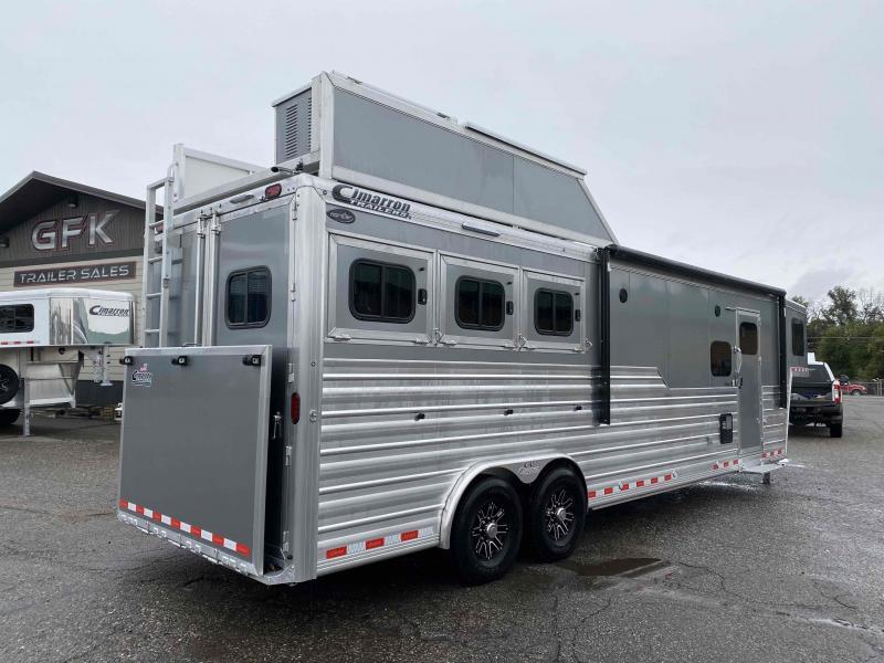 2022 Cimarron 3 Horse 13' Living Quarter Trailer