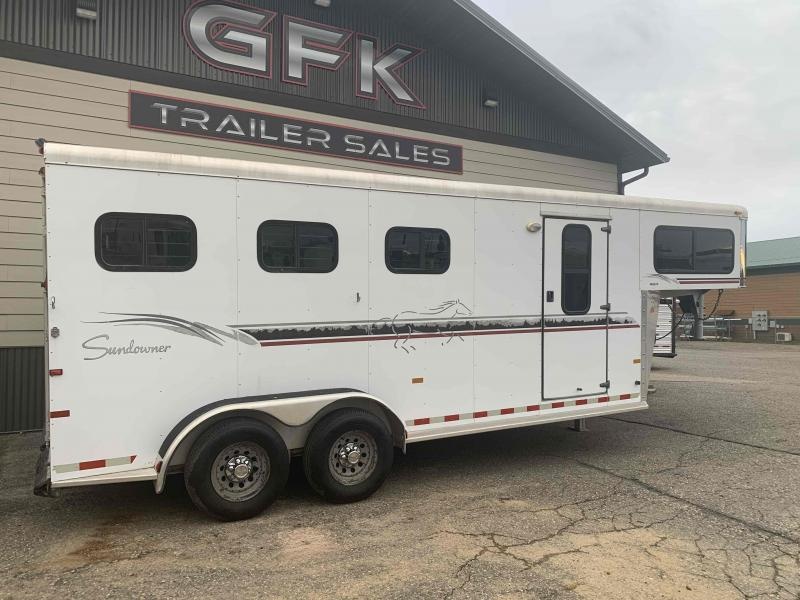 2001 Sundowner Trailers Valuelite Horse Trailer