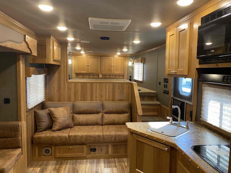 2021 SMC Laramie 3 Horse 13' LQ Trailer