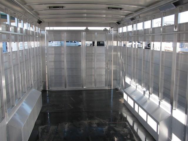 2020 Cimarron Lonestar 26' Show Cattle Stock Combo w/ Sliding Center Gate