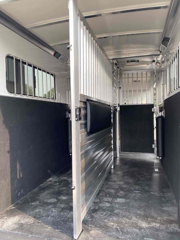 2021 Cimarron  2+1 Norstar Warmblood Horse Trailer