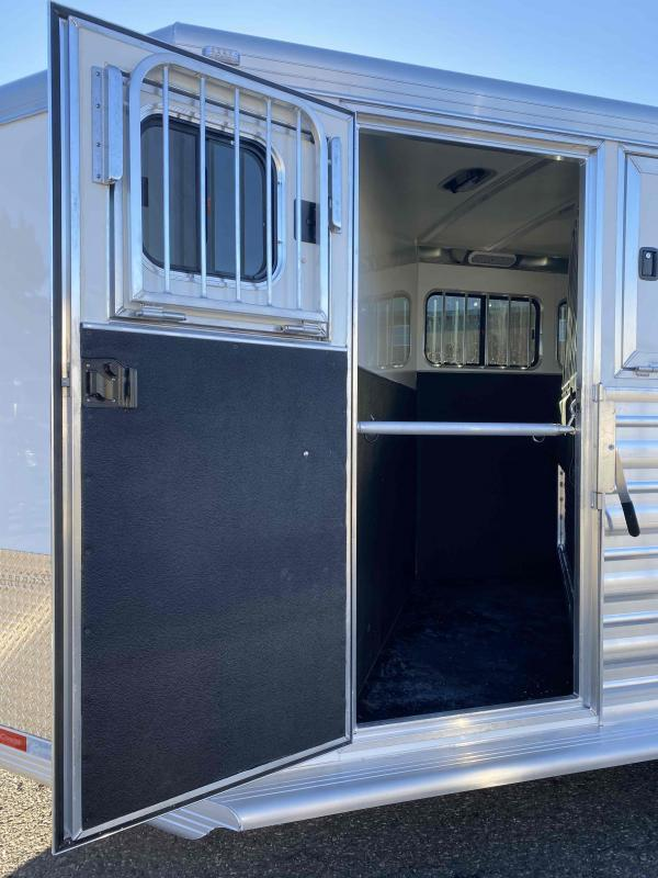 2022 Cimarron  3 Horse Bumper Pull Trailer