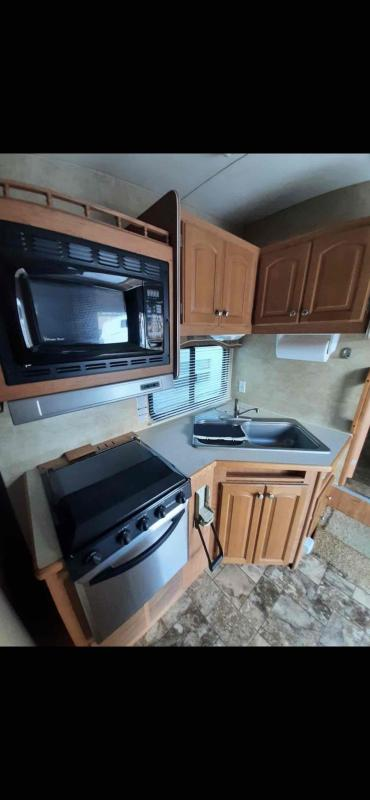 2010 Forest River Wildcat 25RL Fifth Wheel Campers RV