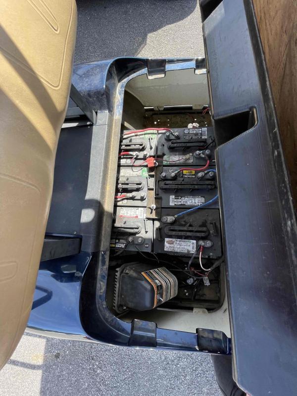2004 E-Z-GO TXT Electric Golf Cart