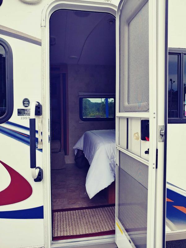 2010 Keystone RV Express Super Lite M-199 ML Travel Trailer