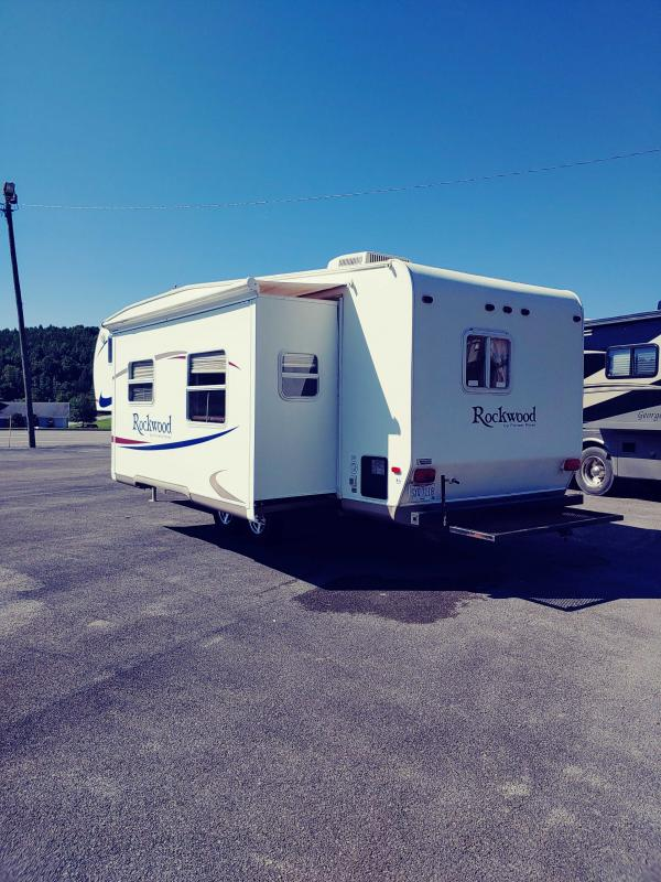 2005 Forest River Rockwood 8281 SS Fifth Wheel Campers RV
