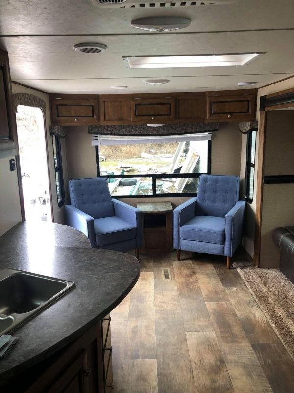 2017 Crossroads Zinger Z-1 291RL Travel Trailer RV