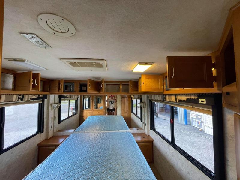 2000 Safari Sahara 3506 Class A RV