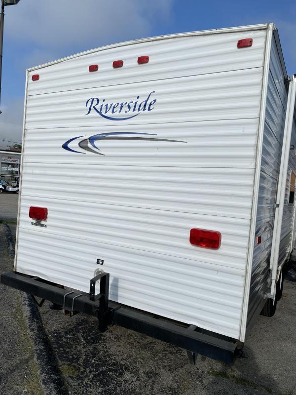 2004 Riverside RV 27BH