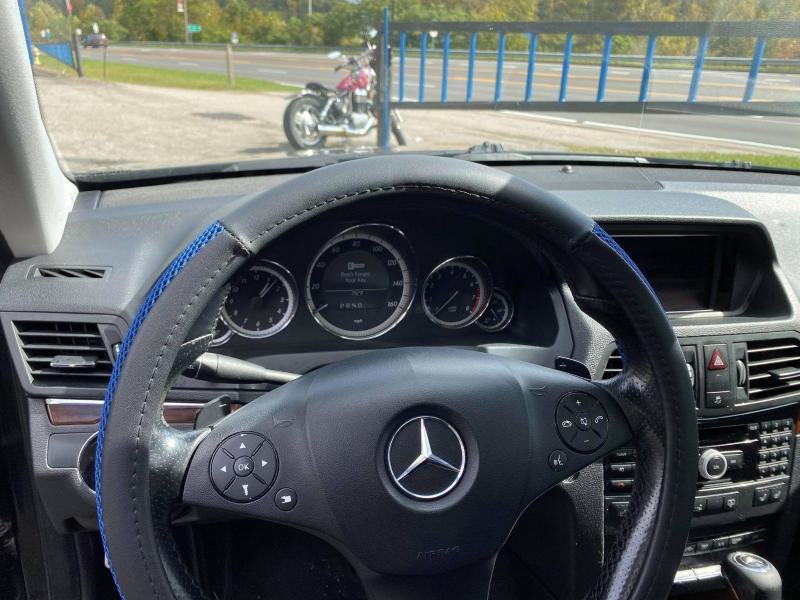 2010 Mercedes Benz E550 Car
