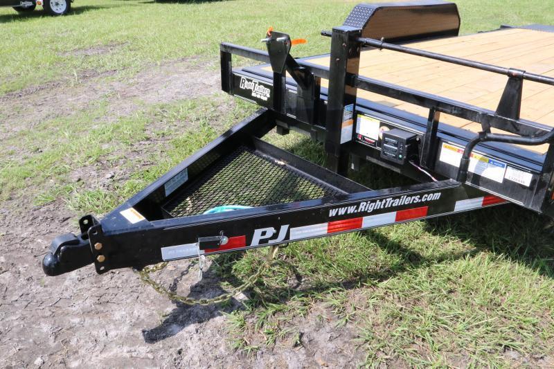 7x16 PJ Trailers   Equipment Trailer