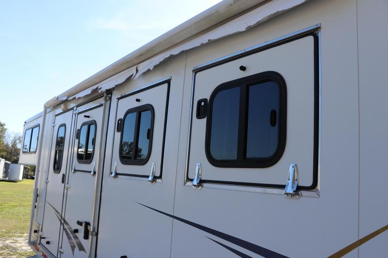 8.5x28 Shadow Trailers | Horse Trailer