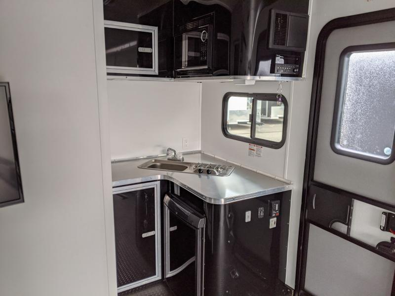 2020 Nomad 8.5'x30' Fk Toy Hauler 14k Enclosed Trailer