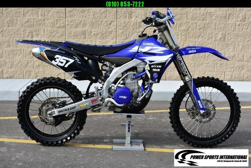 NICE YAMAHA YZ450F 4-Stroke MX Off Road Motorcycle TEAM YAMAHA Dirt Bike #2011