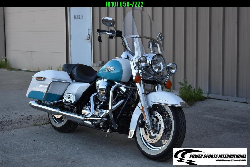 2016 Harley-Davidson Road King FLHR 103ci Metallic Blue and White TOURING MOTORCYCLE 1690cc