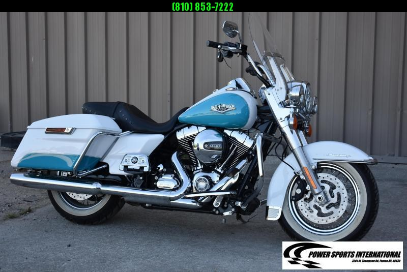 2016 Harley-Davidson Road King FLHR 103ci Metallic Blue and White TOURING MOTORCYCLE 1690cc
